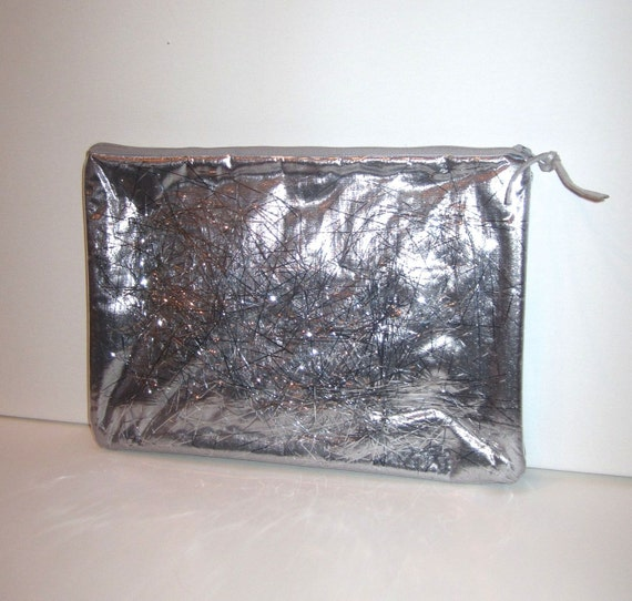 Very Cool Brand New Super Quality Zippered Silver Tinsel Handbag Purse