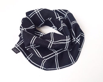 Baby boy Scarf / Navy Plaid Scarf / Bib Scarf / Scarf-Bib / Toddler Scarf / Neck Warmer / Cowl Neck Scarf / MiBaby Boutique
