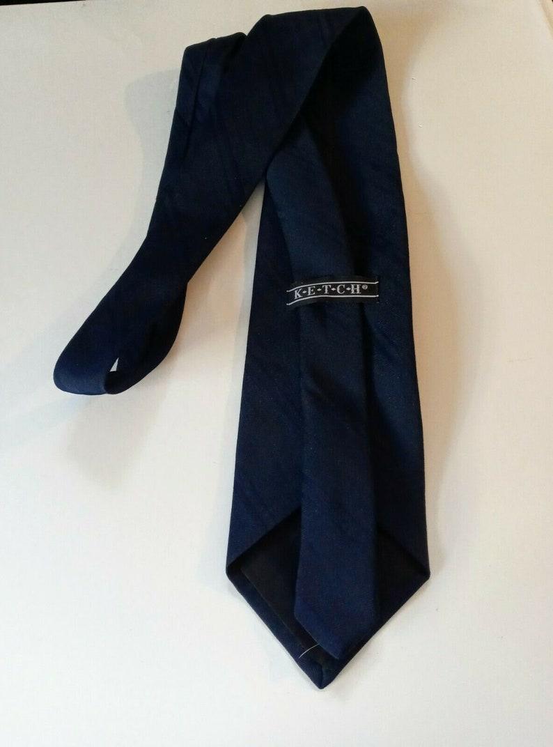 Men/'s Ketch Navy Blue Necktie 100/% Polyester 58 long