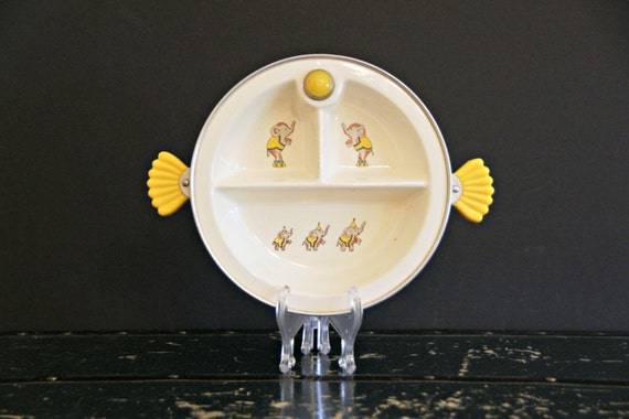 1940s Serving Plate Child/'s Warming Dish Elephants Children Child Dining Circus Kid Collectible Babar Scalloped Handles Divided
