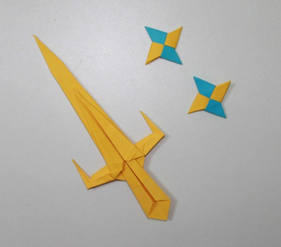 How to make a Ninja paper sword | origami | PapercraftSquare.com | 500x570