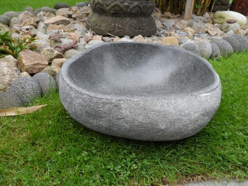 Small Bird Potions Bird Bath Bath bowl solid of Natural image 0