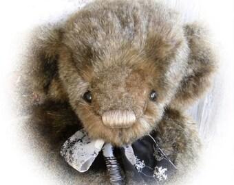 Winston, OOAK Artist Teddy Bear, BearFolk & Friends, Lil Darlin Original, Teddy Bear, Original Pattern, Handmade, Teddy Bear