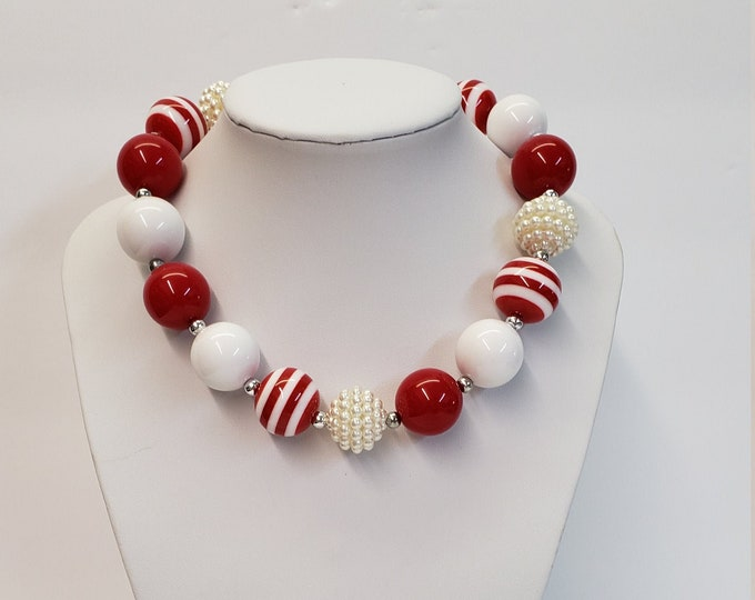 CHUNKY BUBBLE GUM  Necklace - Girls Red White Necklace - Girl  Elastic Chunky Necklace - Birthday Necklace - Toddler Girl Necklace