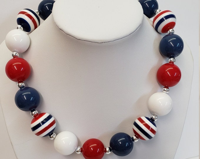 CHUNKY BUBBLE GUM  Necklace - Red White Blue Necklace - Girl  Elastic Chunky Necklace - Birthday Necklace - Toddler Girl Necklace