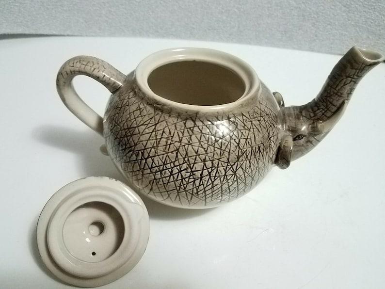 Hard to Find Design Vintage World Market Ceramic Elephant 4 Cup Collectible Figural Teapot Tea Pot   Unique