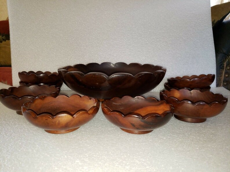 Vintage 9 Piece Dark Cherry Finished Wood Salad Serving Footed Round Scalloped Bowl Set Includes Large 14 Bowl /& 8 Individual 6 14 Bowls