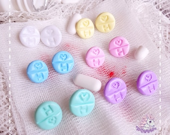 Cute Medicine stud earrings menhera yamikawaii
