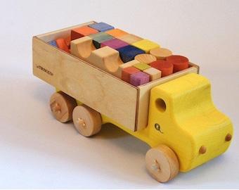 Jeu de blocs de bois avec son camion jaune
