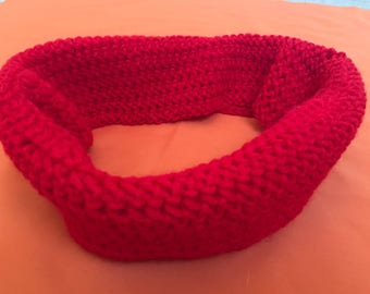 Red cowl