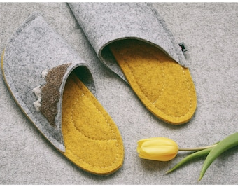 Personalized Slippers – Unique house shoes – Indoor shoes – Grey and yellow with mountains patch – Nature and mountains lovers