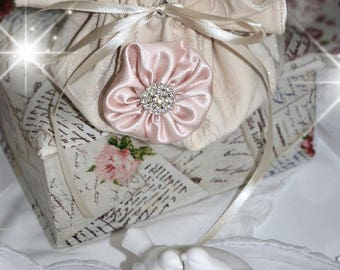 Lovely pouch ecru damask and her pale pink satin flower and rhinestone