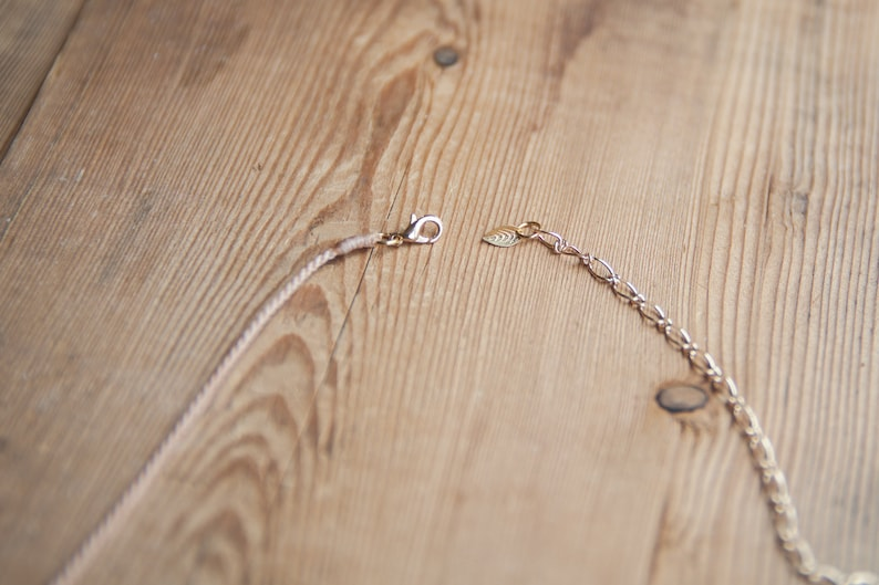 Minimalist /& Boho chic necklace New Moon cristal Rutilated Quartz Vieux Rose