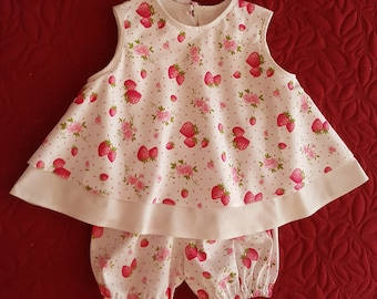 Cute set baby girl 18 / 24 months tunic and bloomers. New hand made