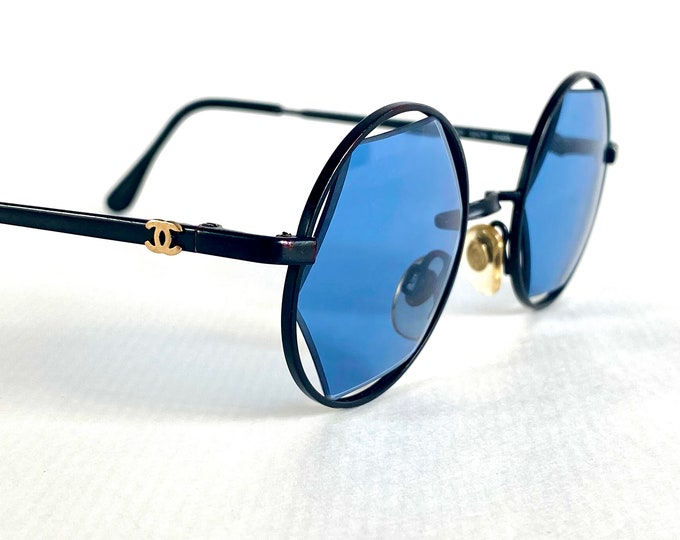 Vintage 1993 CHANEL 02470 90405 Sunglasses – Including CHANEL Box, Case and Booklet