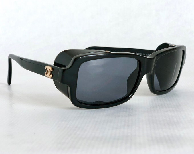 CHANEL 03521 94305 Vintage Sunglasses New Old Stock including Box, Case and Cloth