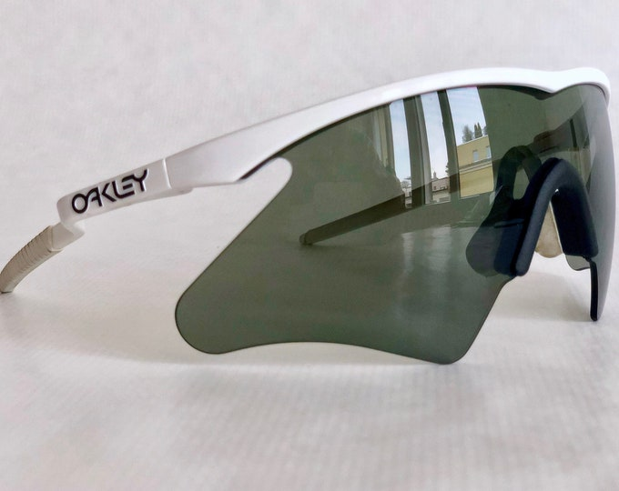 Oakley M Frame Mumbo with Hammers 1990 Vintage Sunglasses – Full Set Including Extra Nose/Ear Kit – New Old Stock