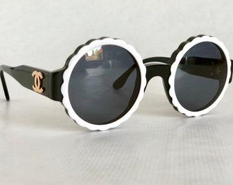 dd5b133d0e78e CHANEL 03524 C0229 Vintage Sunglasses New Old Stock including Box
