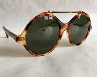 Gianni Versace 491 Col 950 Vintage Sunglasses New Old Stock with Original  Versace Sleeve 10a9e3ff75a2