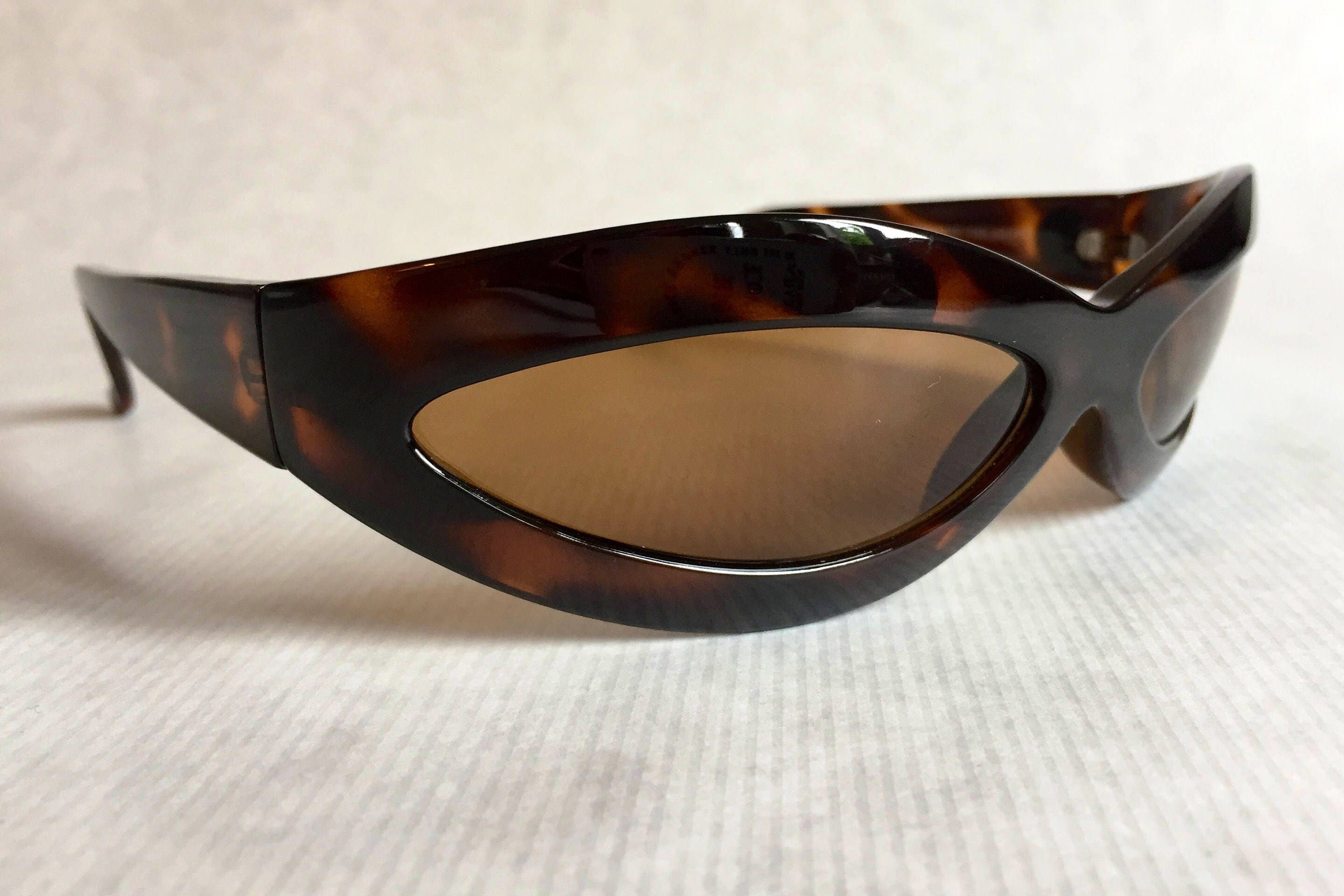 c8bd25c952e42 Gianni Versace 440 Mask Vintage Sunglasses New Never Worn including Original  Softcase. gallery photo ...