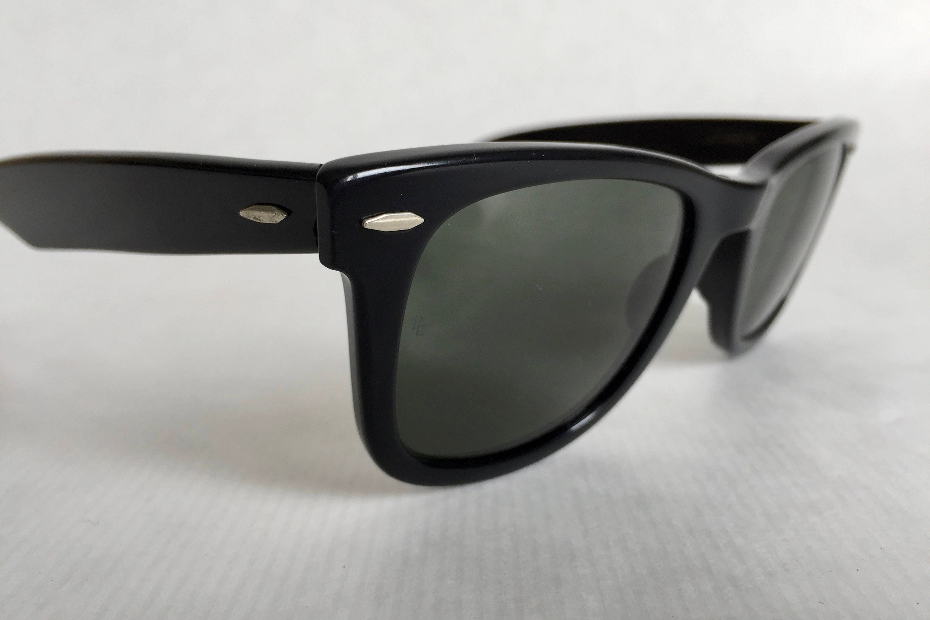 186fd38e36 Ray-Ban WAYFARER by Bausch   Lomb Vintage Sunglasses First Generation.  gallery photo gallery photo ...