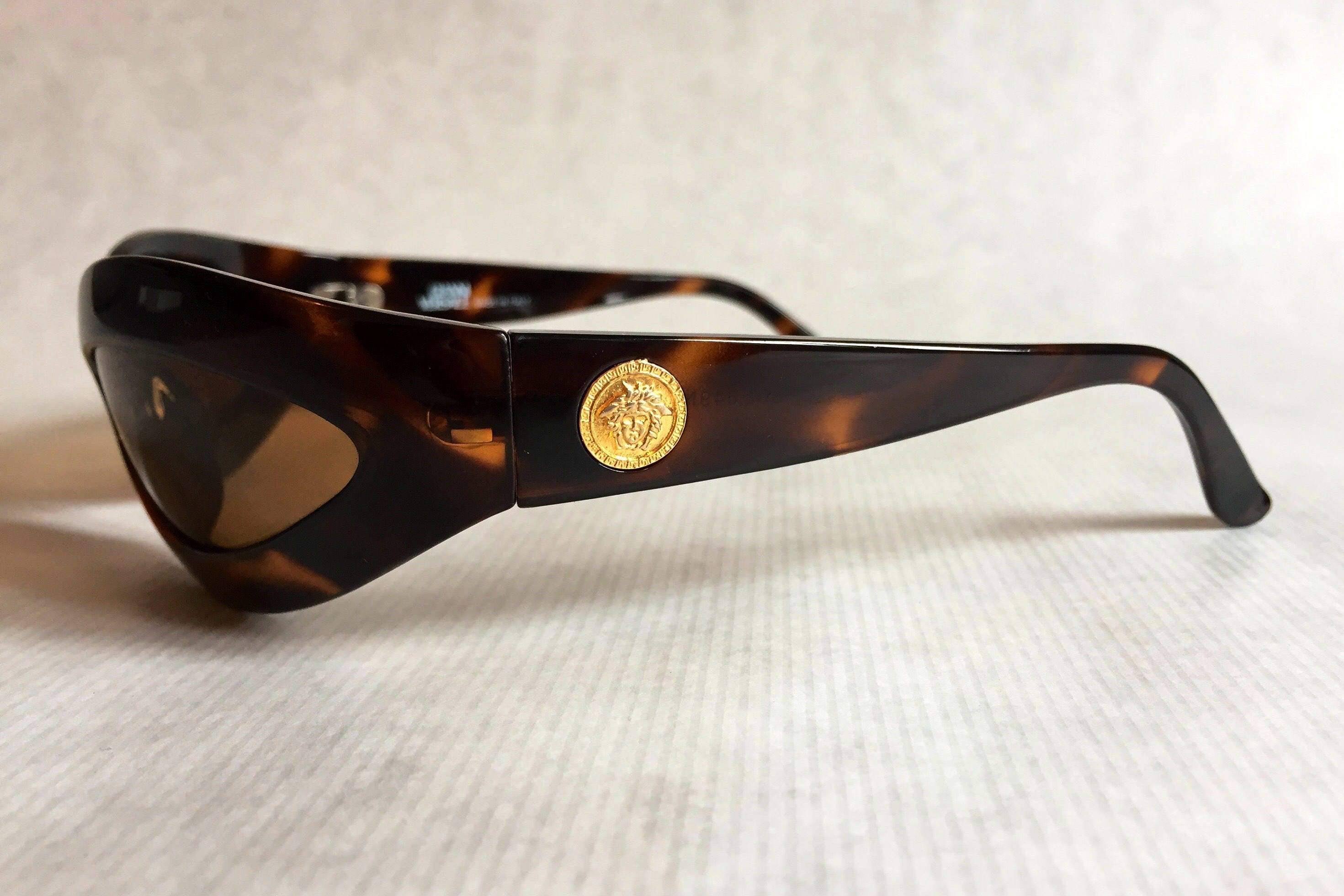 eb254562aa448 Gianni Versace 440 Mask Vintage Sunglasses New Never Worn including Original  Softcase. gallery photo gallery photo gallery photo gallery photo gallery  photo