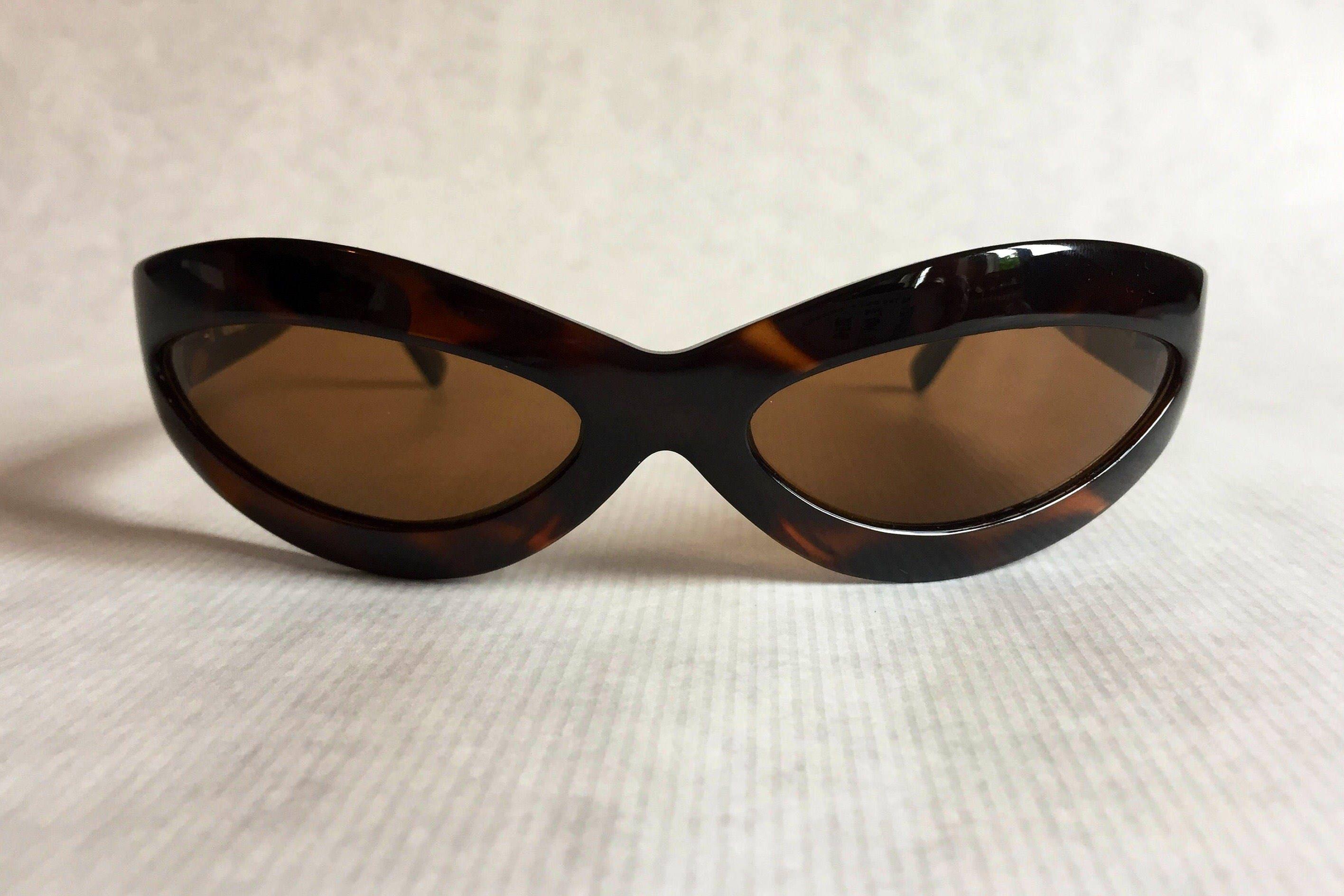 1e39fc5619f9e Gianni Versace 440 Mask Vintage Sunglasses New Never Worn including Original  Softcase