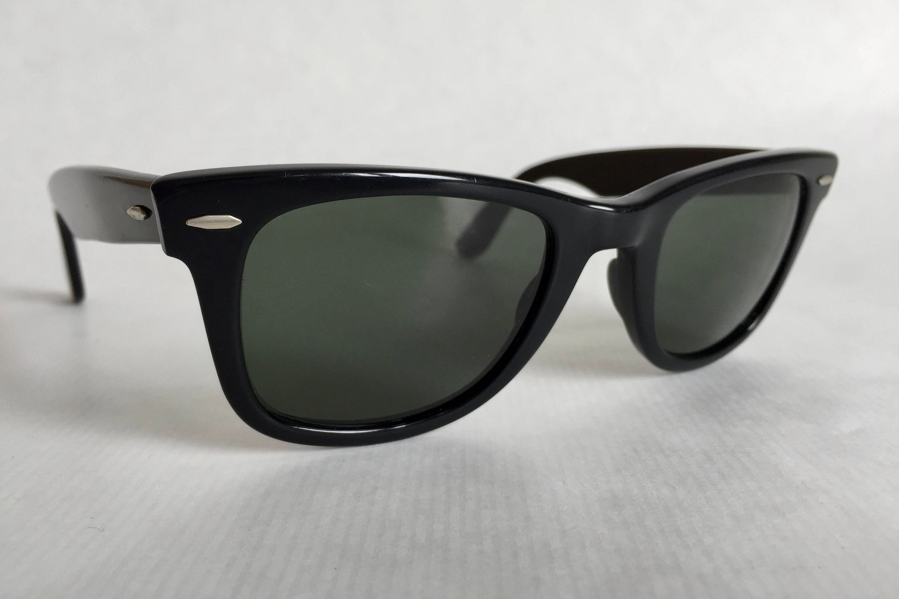 329c6f98d7 Ray-Ban WAYFARER by Bausch   Lomb Vintage Sunglasses First Generation.  gallery photo ...