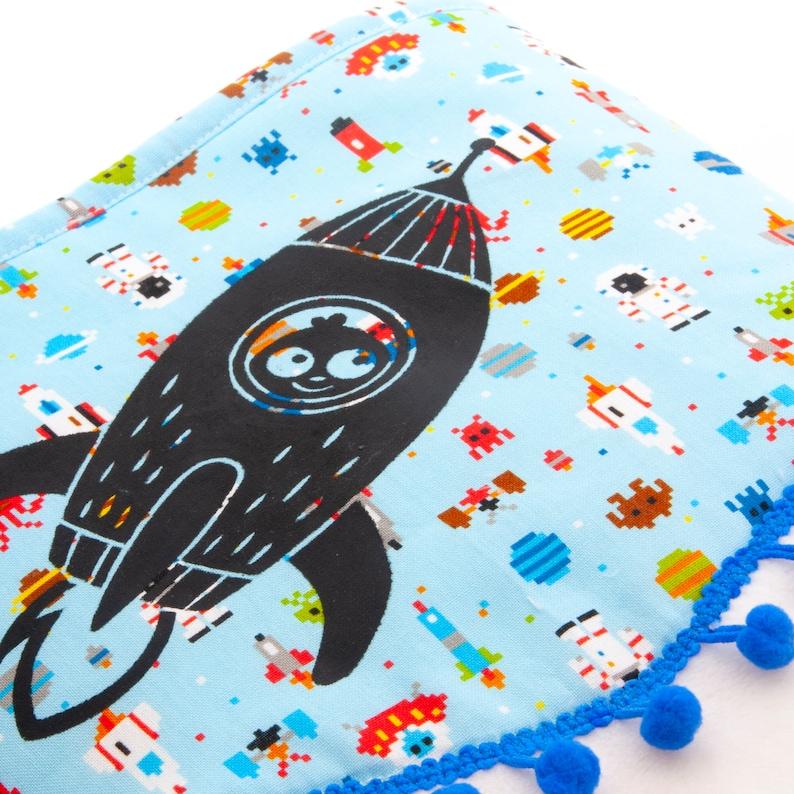 Baby blanket original extra soft fleece with a rocket image 0