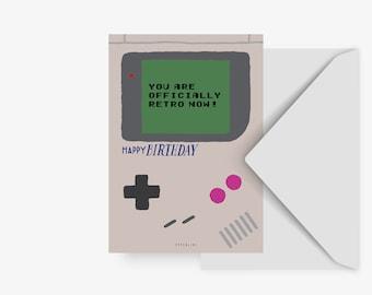Postkarte / Officially Retro / Lustige Geburtstagskarte für Gamer witzige Karte zum Geburtstag für Männer, Freund oder Bruder 30 40 Jahre