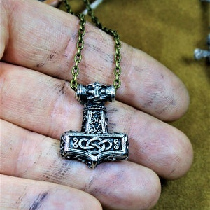 Norse//Odin//Mjolnir//Medieval//Necklace Hand-Forged Iron Thor/'s Hammer Pendant