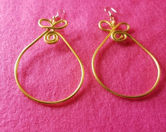 Gold pear-shaped wire spiral earrings