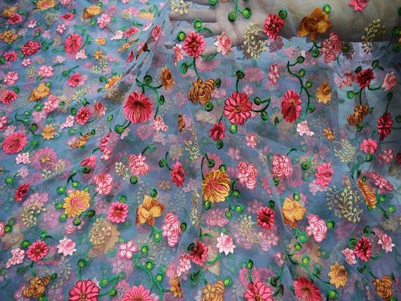 Tissu brodé par filet tissu brodé par Floral gris gris Floral par le tissu indien de yard Saree Crafting cousant des costumes de robe de mariage faisant aac020