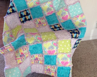 Baby / Toddler Girl Rag Quilt - crib size - very cute