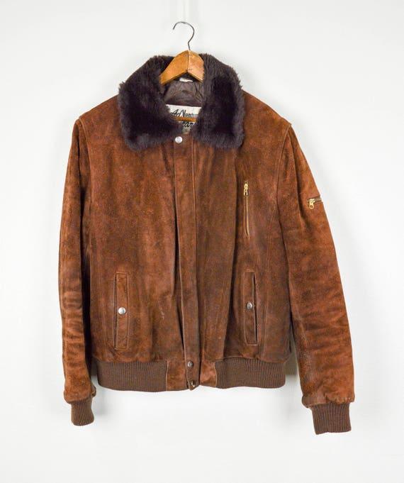 il migliore grande collezione spedizione gratuita Giacca Bomber in pelle di camoscio Distressed vintage, Abbigliamento  Vintage, Vintage in pelle cappotto, giacca Bomber in pelle, macchiato in  pelle, ...