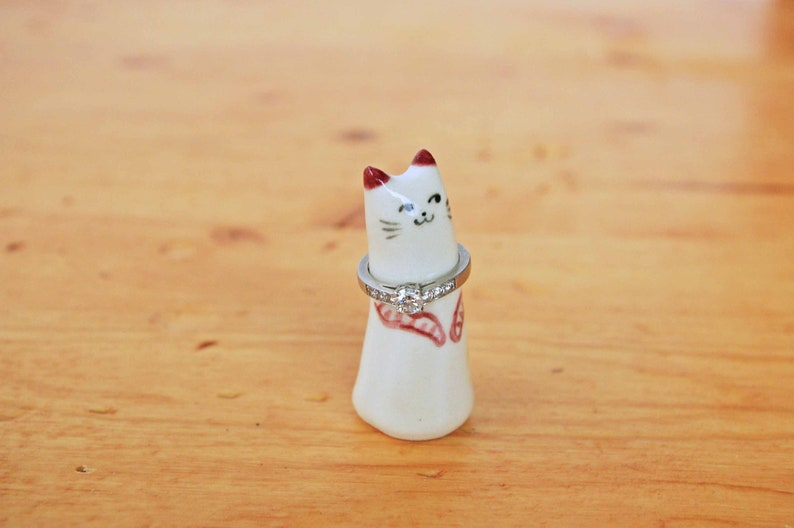 Cat ring holder ceramic ring tree cone jewelry holder animal lover gift anniversay engagement figurine miniature Christmas bridesmaid