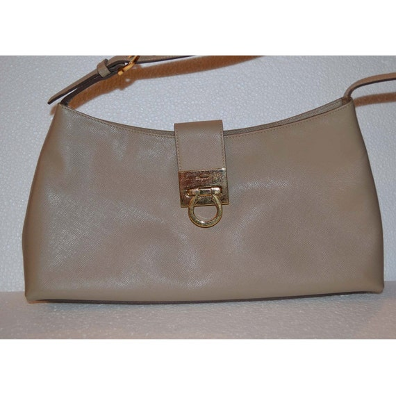 SALVATORE FERRAGAMO handbag/ beige leather handbag