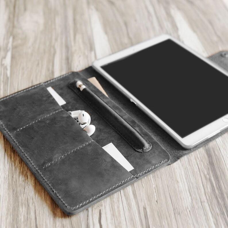 new arrival e4368 203f2 Personalized Leather 2019 iPad mini 5 / air 10.5 / Pro 12.9 / 9.7 Retina  Leather Portfolio Case w/ apple pencil holder - Gray