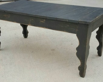 Ordinaire Shabby Chic Farmhouse Style Coffee Table With Gray Distressed, Antiqued  Finish. Decorative Scroll Style Legs.