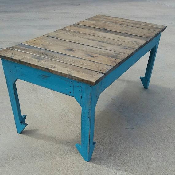 photos officielles a5ed5 d703d Table basse ferme avec les jambes en flèche - récupéré les meubles table  basse en bois - table rustique - ferme - décor de cuisine