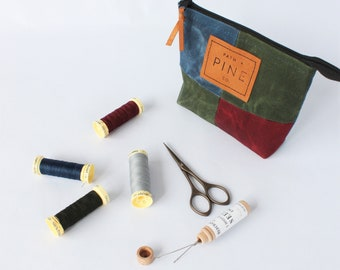 Waxed Canvas Zip Pouches // Multiuse Pouch // Travel Bags // Make Up Bag // Cosmetic Bag // SMALL