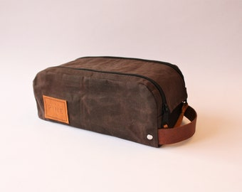 Waxed Canvas Toiletry Bag // Dopp Kit // Shaving Kit // Travel Case // Brown