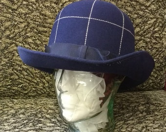 96510805ee403 Vintage Dark Blue Women s felt Hat with Ribbon and White running stitch  Detail