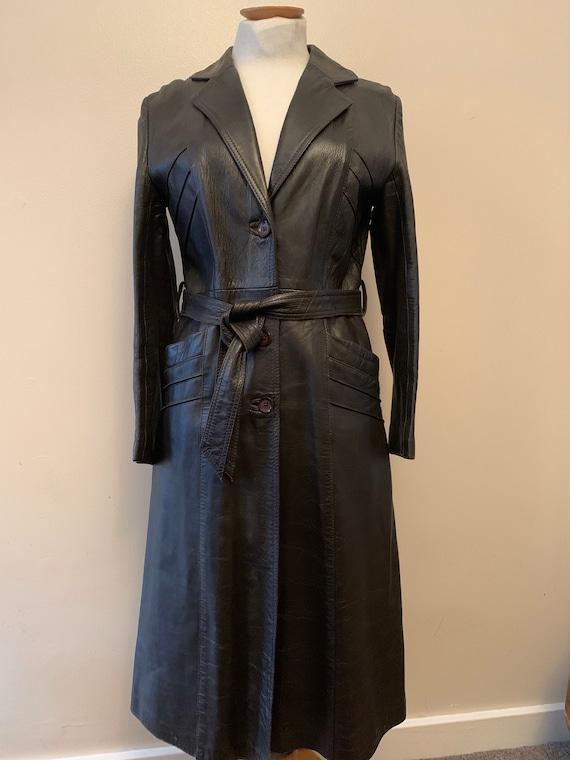 1970 's Vintage Retro Brown Leather coat. Size UK 10-12