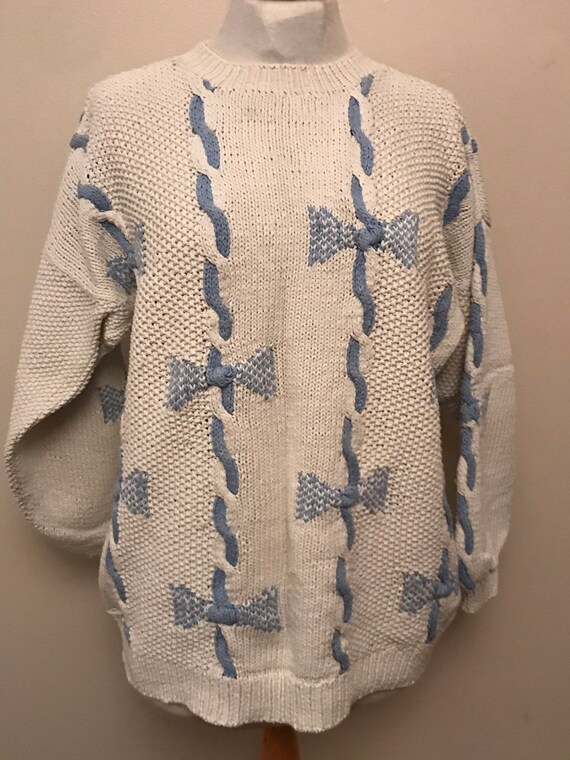 Stunning vintage Phase eight bow jumper size medium