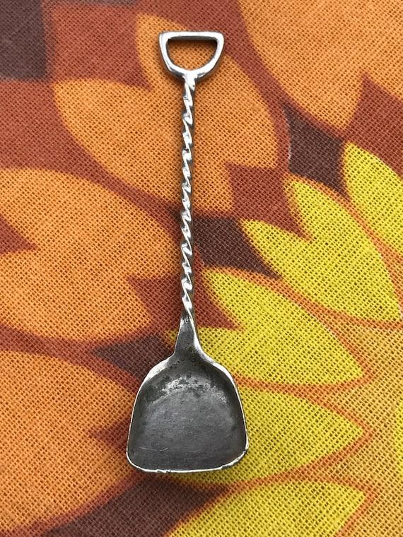 Vintage minature shovel/ sugar spoon/charm