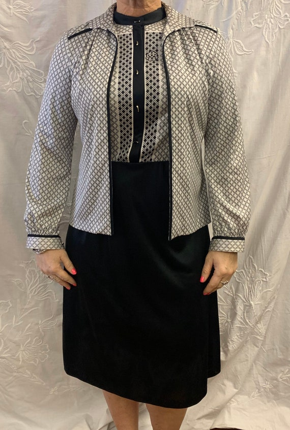 Vintage 1960's two piece black and white dress suit size 14