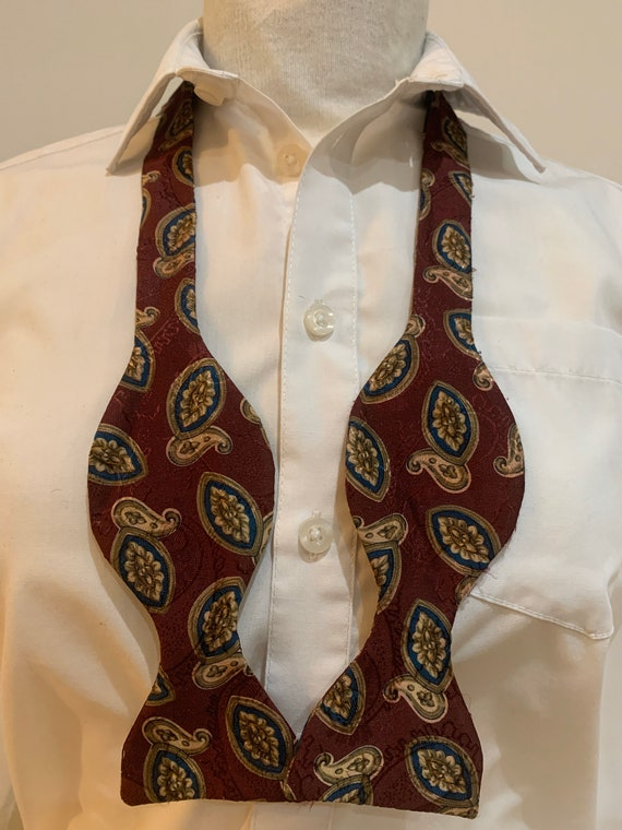 Mens 1960's 'paisley tie it yourself' bow tie