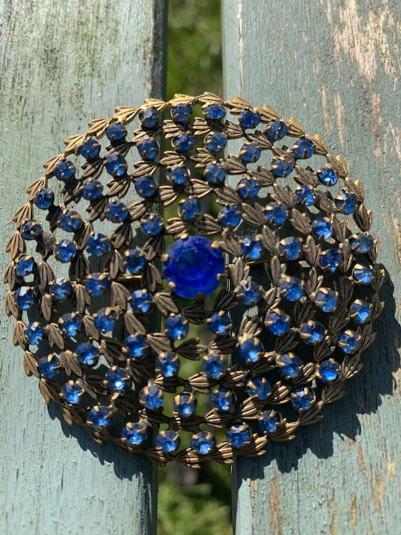 1930's blue cut glass  brooch with leaves