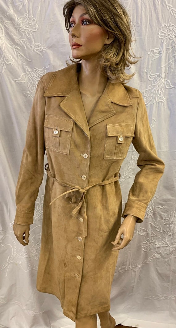 Stinning vintage suede coat from Selfridge's of London. The Douglas range from Paris. Size 44 uk 10-12
